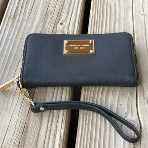 NWOT Michael Kors Black Saffiano Leather Wallet!